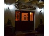 villa vinica