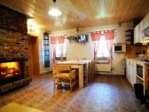 Spodný apartmán - spoločenská miestnosť - kuchyňa