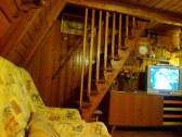 Schodisko do spálni z obývačky