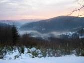 Ranné hmly v dolinách