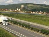 Hrad Beckov pohľad od diaľnice
