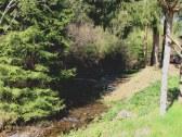 potok hneď pri chate