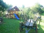 Detské ihrisko je súčasťou chalupy
