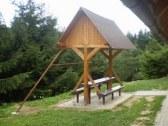 chata v rekreacnej oblasti na donovaloch