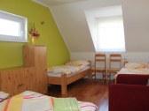 izba na poschodí 4-posteľová