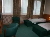 Hotel HUBERT - Nové Zámky #4