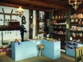 Reštaurácia a obchodík s keramokou