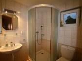 Kúpelka s WC na prízemí.