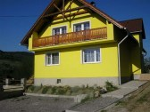 rekreacny dom yellow house