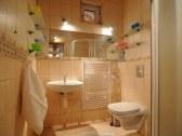 Spodný apartmán - kúpelňa