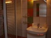 kúpeľňa v mezonetovom apartmáne č. 1
