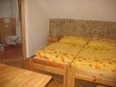 Izba - štúdia (5)   4 lôžková izba + kúpeľňa + k