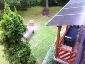 Pohľad z balkónu na dolnú terasu