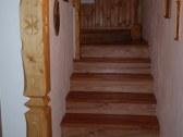 Schodisko – drevené  - ručne vyrezávané schody