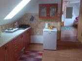 V kuchyňi