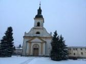kostol v okolí