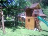 detské ihrisko v záhrade
