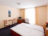Horský hotel EVA - Svätý Jur #9