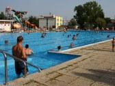 Športový bazén s Penziónom** Bonaparte