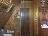 izba pod schodami