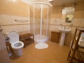 APT 2 a APT 4- kúpeľňa s WC