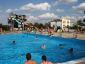 Športový bazén a toboganový svet