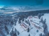 exteriér - pohľad z hora