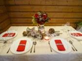 Svadobný ľudový stôl
