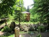 skalka+altánok+drevený mostík