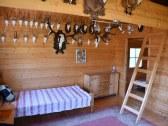Chata u poľovníka-Spálňa 1