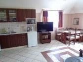 Apartmán A, spoločenská miestnosť + kuchyňa