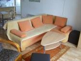 Spoloč miestnosť s gaučom