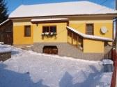 Domček v zime