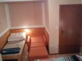 Trojpostelová izba + prístelok