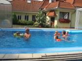 Deti v bazéne