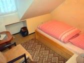 1 - lôžková spálňa so širšou posteľou