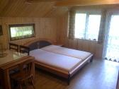 Spoločenská miestnosť s kuch. kútikom a posteľou