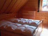 ...kto si chce vyskúšať spať v perových perinách