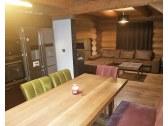 Kuchyňa prepojená s obývacou miestnosťou