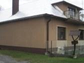 dom od  hlavnej cesty