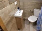 WC so sprch. kútom k izbe č. 2