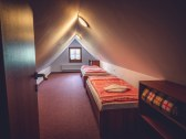 Dvojizbový apartmán so štítovou izbičkou