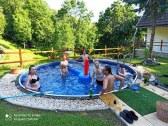 chalupa s bazenom cavoj