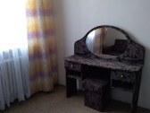 kozmetický stolík - spálňa v apartmáne č.8