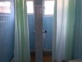 sprchovací kút pre ženy na prízemí