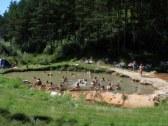 prírodné kúpalisko v Kalamenoch 1 km, 33 stupňov