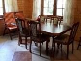 jedálenský stôl v kuchyni
