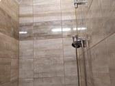 Sprchovací kút k izbe č. 2